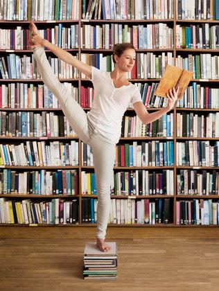 library-joga-pose-balance-read